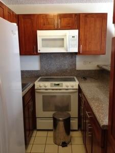 改修済みのキッチン