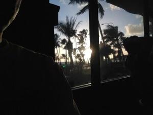 ハワイカイのアウトバックステーキは冷房もきつくないし何気にオーシャンビュー。オススメです。