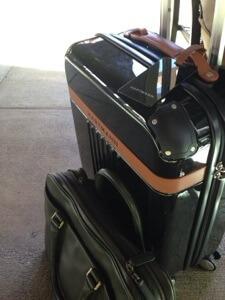 妻からの誕生日プレゼント。キャリーオンできるスーツケースを早速使わせて頂きます。