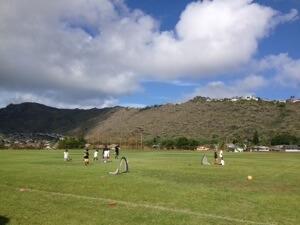 放課後のサッカーも一時間繰り上げで。家の長男が一番ちびなので殆どボールに触れませんw