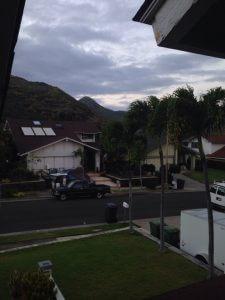 ハワイでリフォーム;二階のマスターバスルームのシャワーからの新しい景色w