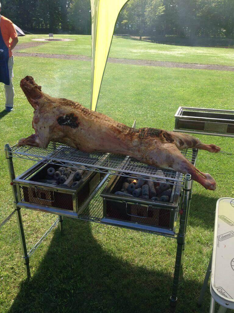 ハワイで大家:子羊の丸焼き。激ウマ!!!